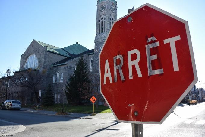 Arret sign Montreal