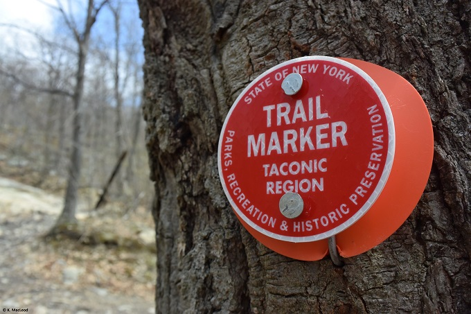 Beacon trail marker