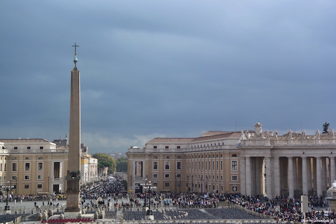 Vatican crowds